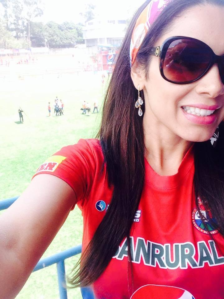 Karla Baso Rojos Novia Municipal